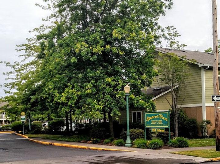 Spencer View Apartments (U of O)